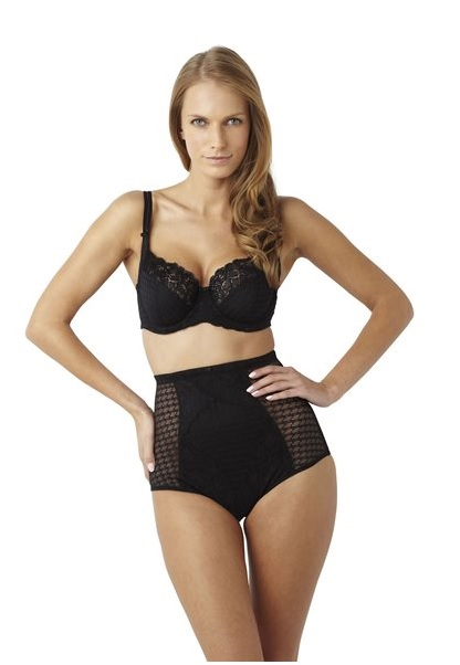 6bcdc07767 The Rectangle (Banana)  A Rectangle or Banana is the name given to those  body shapes that have a straight silhouette. This means that your Hips and  Bust ...